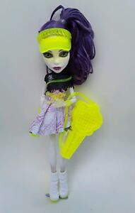 Spectra-Vondergeist-Sports-Monster-High-Doll-Excellent-played-with-condition