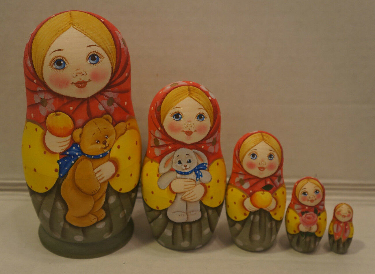 Russian Matryoshka -  Wooden Nesting bambolas - 5 Pieces Unique Coloreeeeing - Set  10  più economico