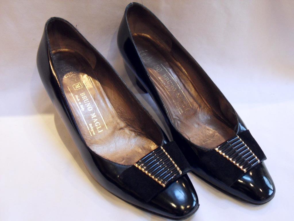 BRUNO MAGLI Italian Black Patent Leather Court SHOES Euro 37 1 2   UK 4 1 2 - 5