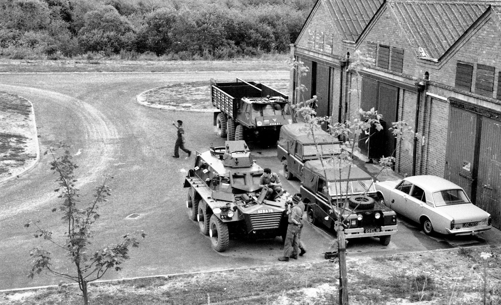 BRITISH ARMY Alvis Stalwart FV622 AND FV 603 Saracen    Military Photo Print