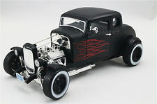 HOT ROD FORD COUPE NOIR MAT FLAMME ROUGE   - 1/18 MOTORMAX