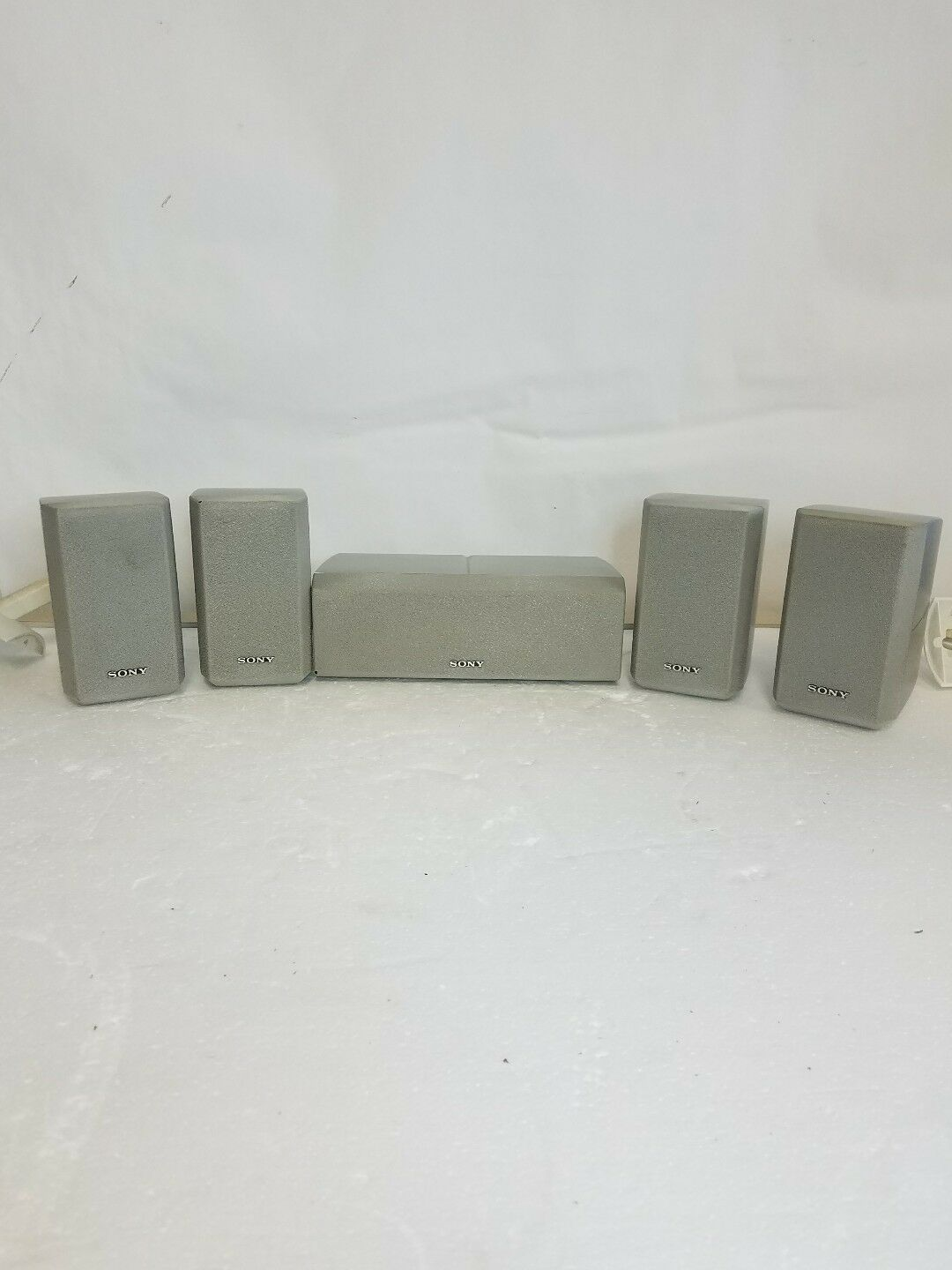 SONY SURROUND SPEAKERS 1 SS-CNP2 AND 4 SS-MSP2