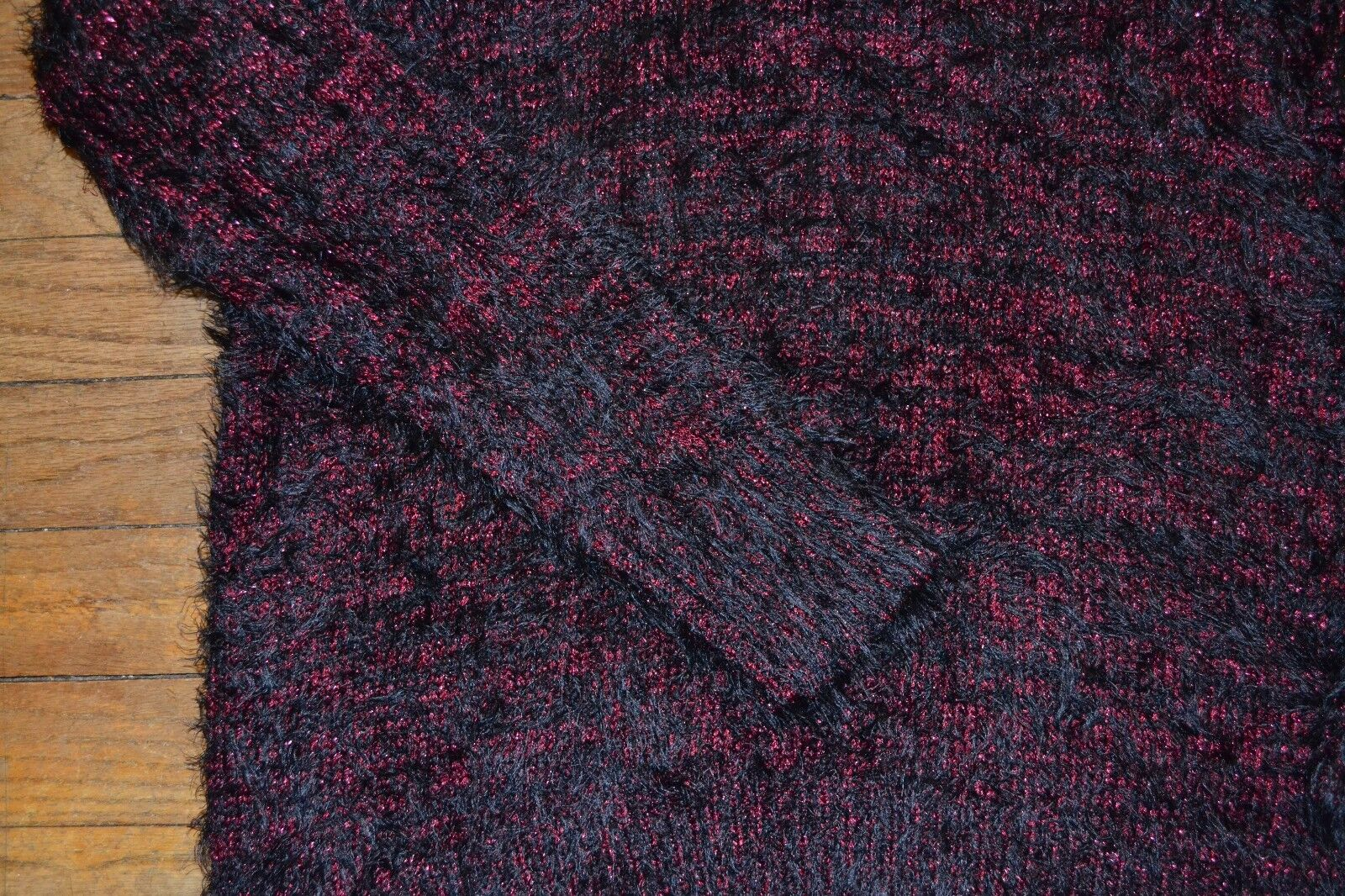Rock /& Republic V Neck ULTRA SOFT Sweater Wine Reliquary Rose Metallic MSRP $60