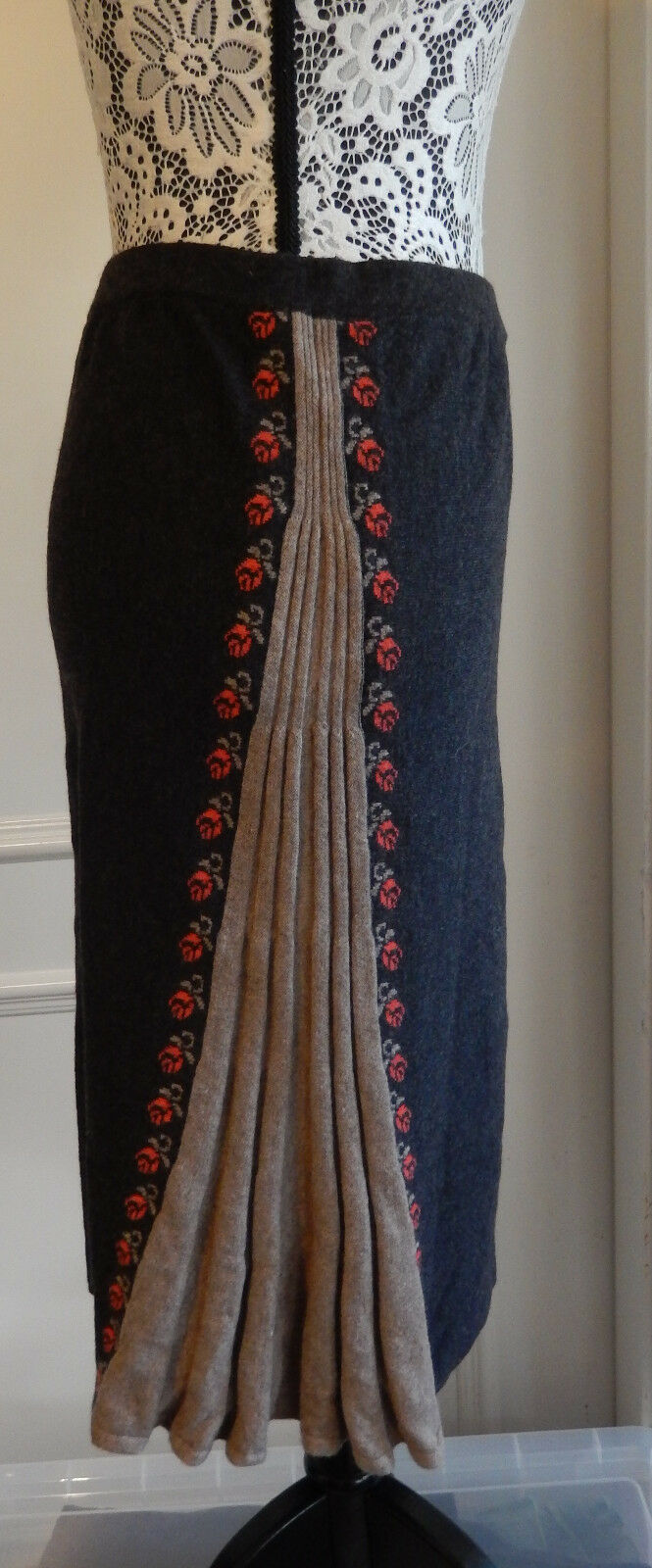 IVKO midi Rock Wolle Gr. 38 skirt wool Floral pattern