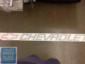 88-97 Chevrolet Truck Tail Gate Decal (Chevrolet With Red Bowtie) GM 15607539