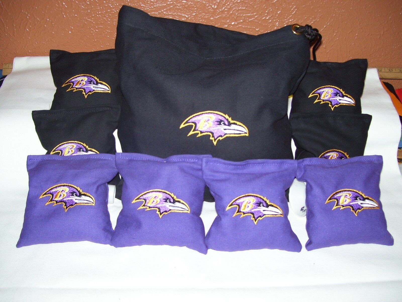 Baltimore Ravens Cornhole corn hole set of 8 Bags plus Storage Bag