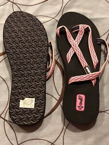 59dc33477 New Womens Teva Olowahu Crush Pink Strappy Sandals Mush Flip Flops ...
