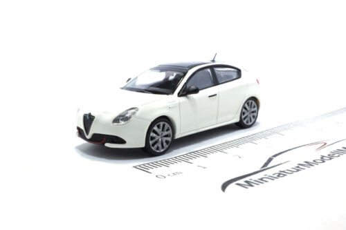 #870120001 2017-1:87 Minichamps Alfa Romeo gulietta Veloce-Weiss