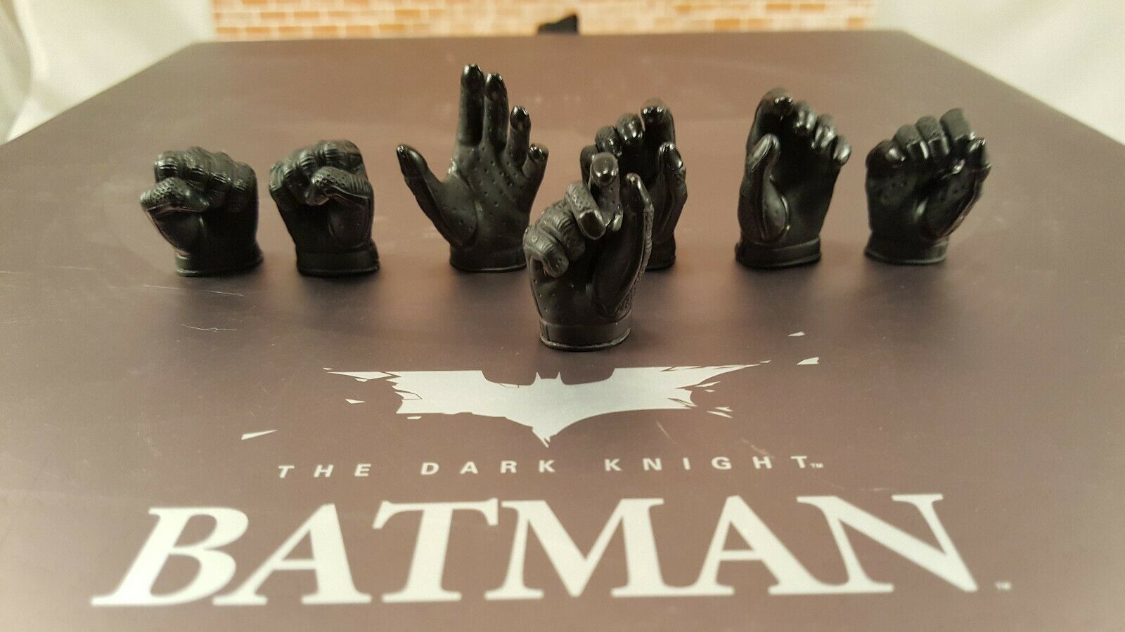 Hot Toys DX02 Dark Knight TDK Batman 1 6 scale 12  action figure's 7 hands only