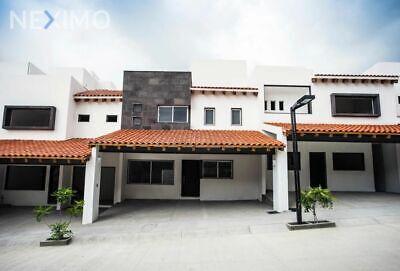 Hermosa residencia en venta en fraccionamiento privado en Tuxtla Gutiérrez