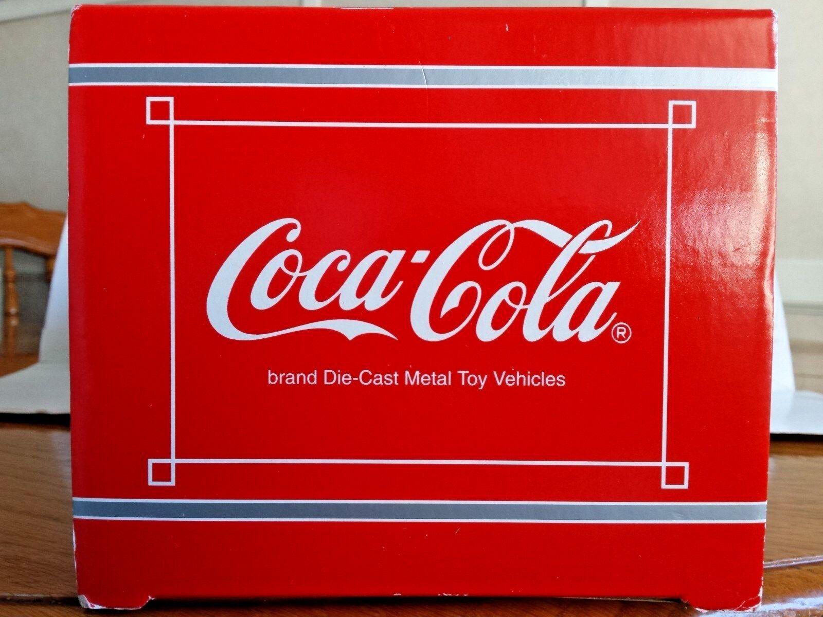 Solido Coca Cola V. V. V. W. 1966 Combi Die Cast 1 19 Scale Replica b8a3a4