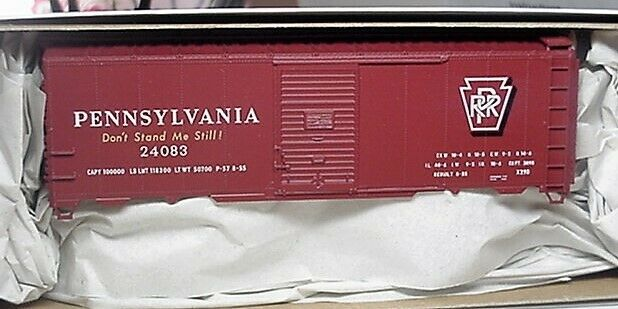 Accurail HO 8128 Pennsylvania PRR 40 'Riveted Steel Boxcar # 24083