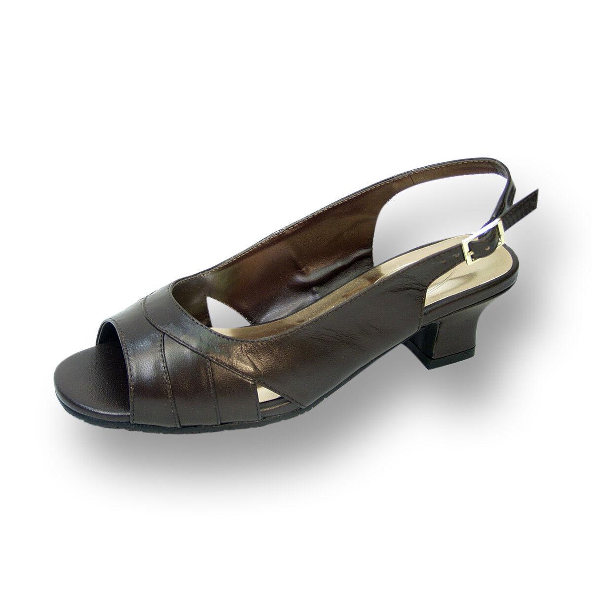 PEERAGE Karen Damens Wide Width Leder Open-Toe Pleated ToeCap Slingback Sandales