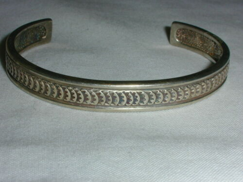 NAVAJO ANTHONY KEE STERLING TEXTURED CUFF BRACELET