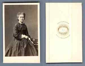Bayard-et-Bertall-Paris-Une-femme-CDV-vintage-albumen-carte-de-visite-Tira