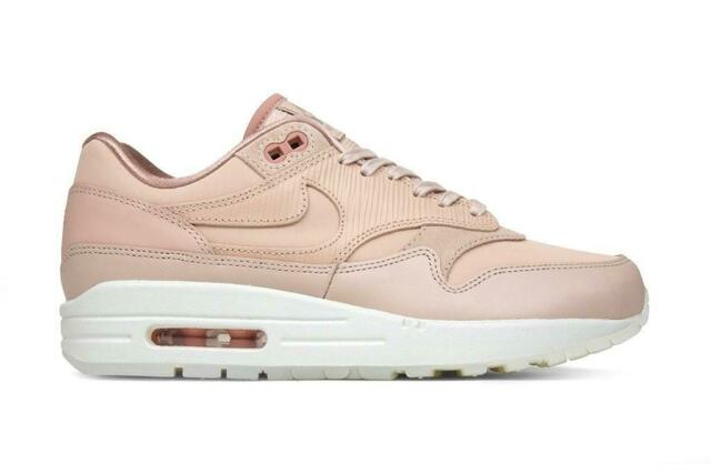 Nike Air Max 1 beige