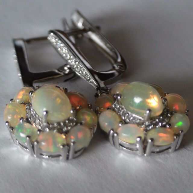 NATURAL VERY FLASHING TOP ETHIOPIA OPAL LADIES EARRINGS 925 SILVER WHITE GOLD.