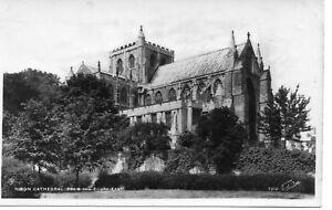 Real-photo-postcard-of-Ripon-Cathedral-circa-1950s