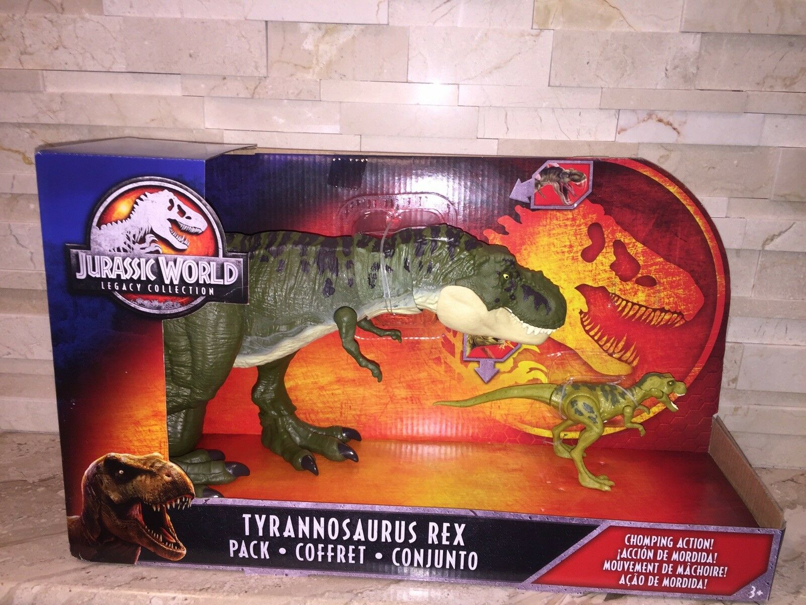 JURASSIC WORLD LEGACY COLLECTION TYRANNOSAURUS REX AND BABY