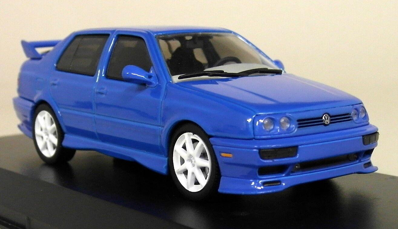 Greenlight 1 43 Scale - 1995 Volkswagen Jetta A3 bluee Diecast Model Car