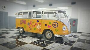 "VW 'Flower Power ""filiale Camper Van 1963 GIALLO Welly Modello in scala 1/24"