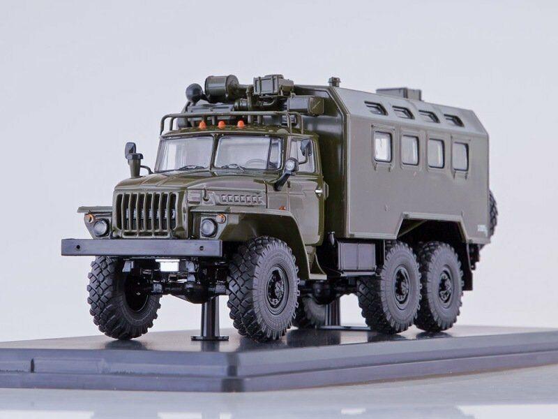 Scale model truck 1 43 URAL-4320 Kung khaki 1977