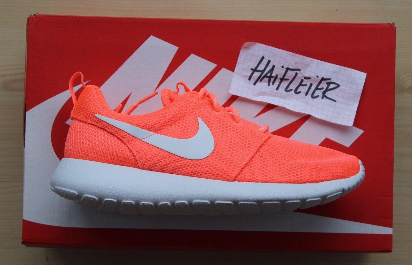 Nike Wmns Roshe One / Gr. 39 / NEU / 511882 811