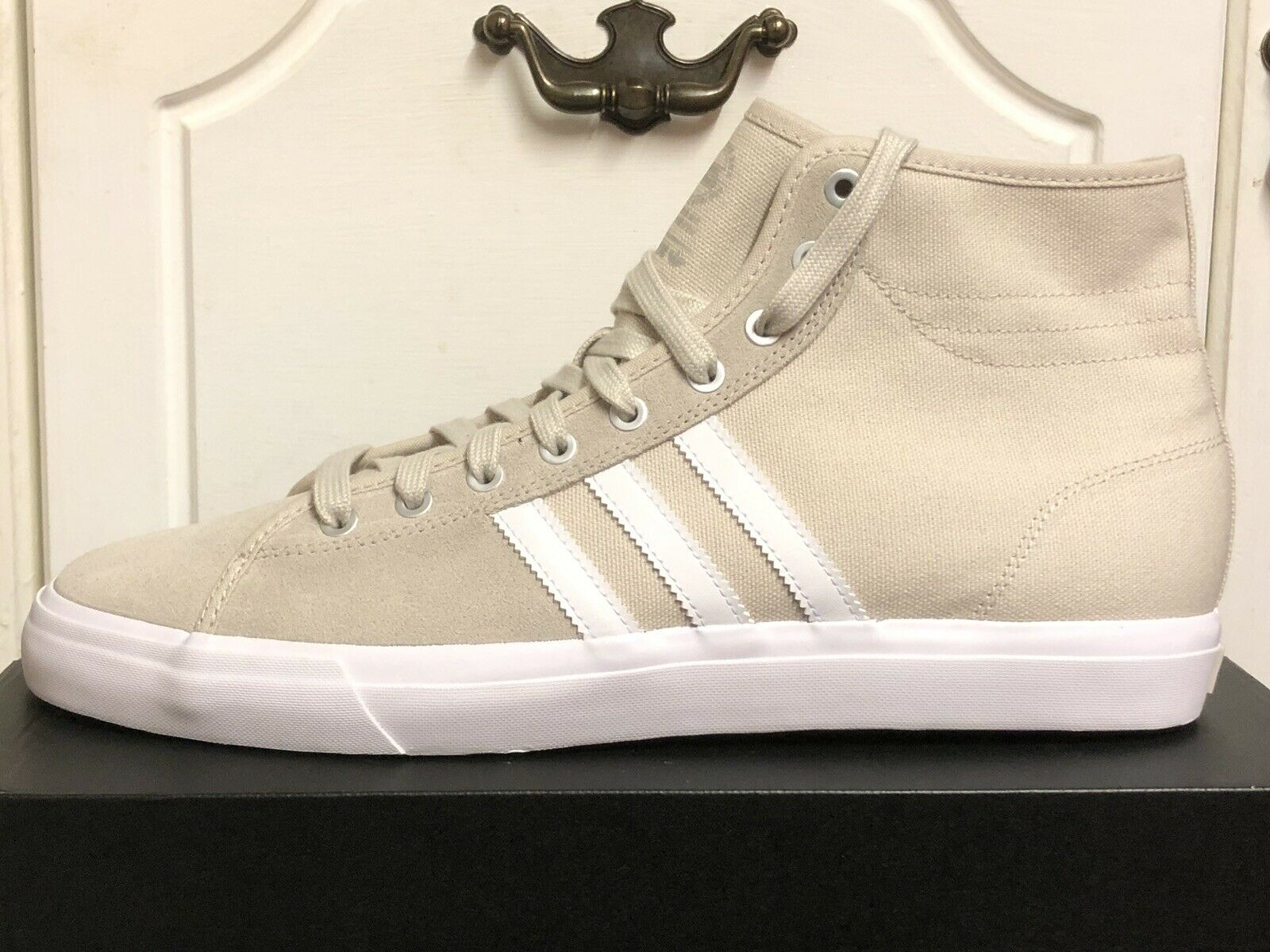 ADIDAS MATCHCOURT HIGH RX SIZE UK 13 US 13,5 EUR 48 BRAND NEW WITH TAGS NO BOX
