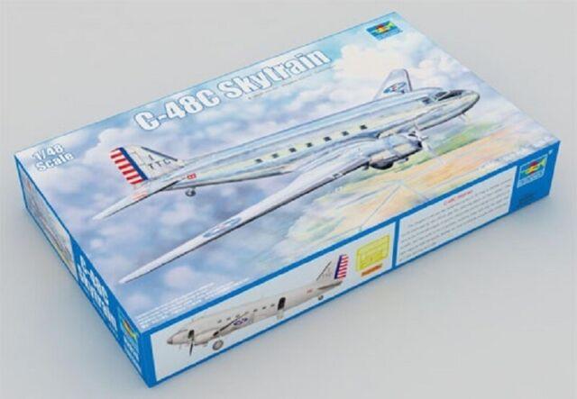 Trumpeter 02829 in Scala 1:48 Modellino Aeroplano DC3 Skytrain