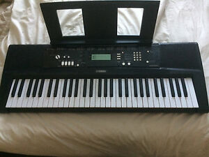 yamaha ez 220 full size keyboard piano electric portable. Black Bedroom Furniture Sets. Home Design Ideas