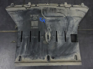 BMW-5er-E60-E61-M5-Fuehrung-unten-Mitte-Unterfahrschutz-hinten-7896847