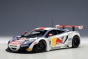 Mclaren 12c Gt3 Red Bull 2012 Loeb / Parente # 9 1:18 Modèle 81342 Autoart