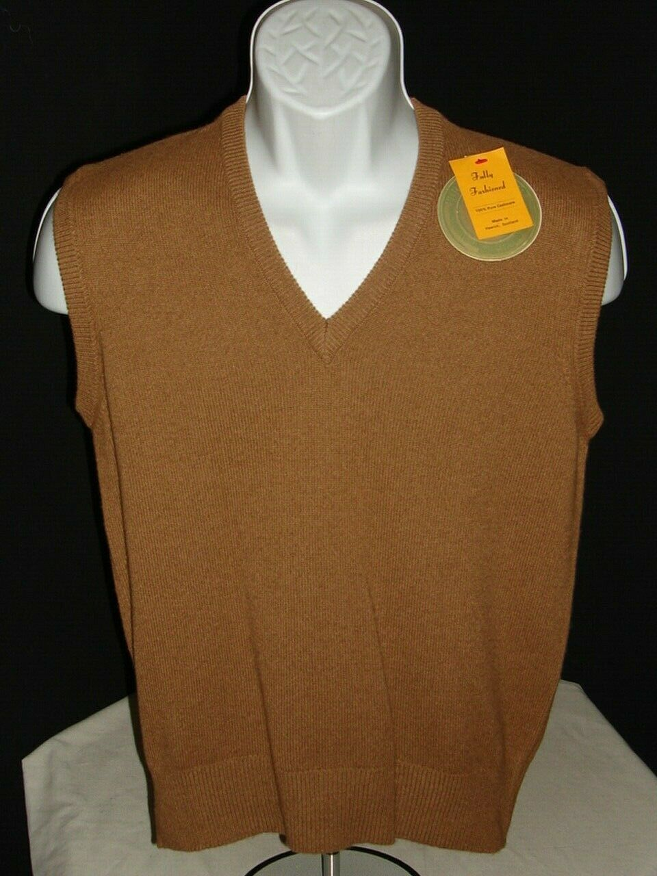NWT MADE IN SCOTLAND SAKS FIFTH AVENUE BROWN 100% CASHMERE SWEATER VEST SZ. S