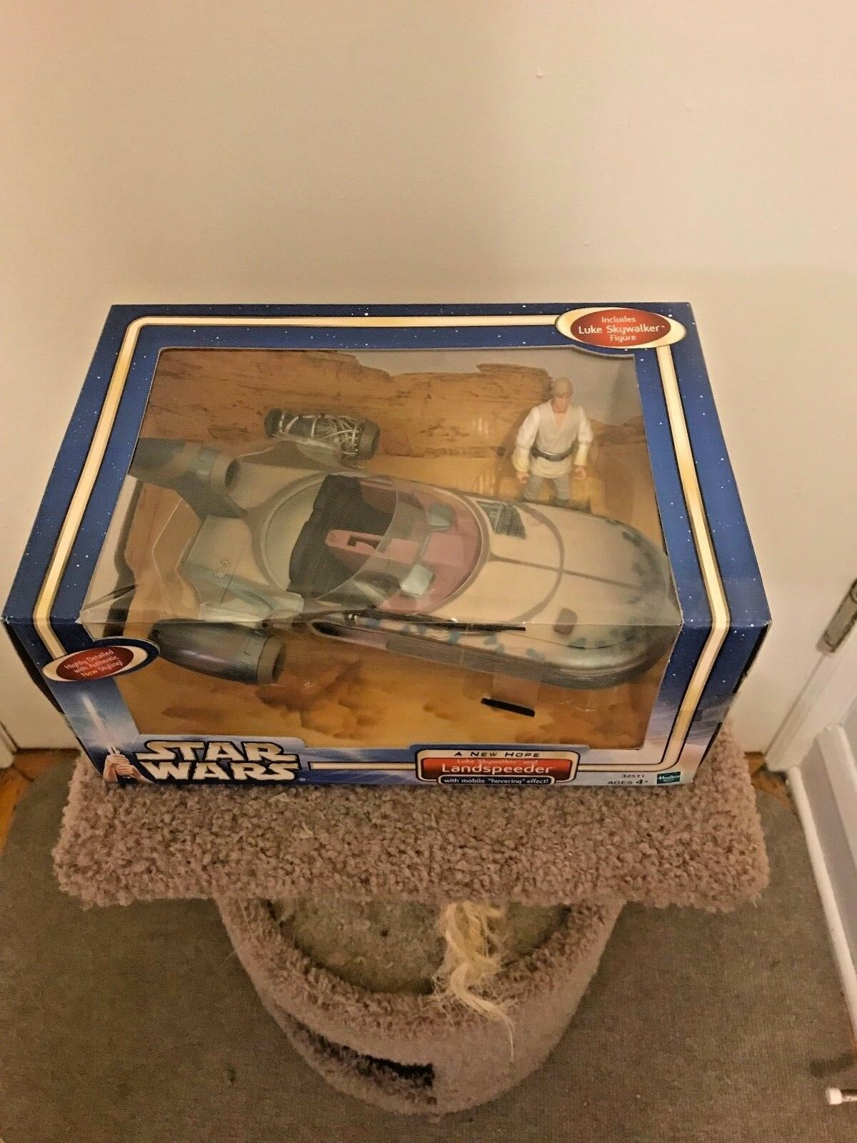 Star Wars A New Hope Luke and his his his land speeder w mobile hovering effect 15470c