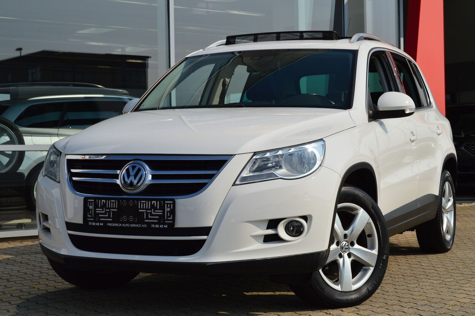 VW Tiguan 1,4 TSi 150 Sport & Style BMT 5d - 149.900 kr.