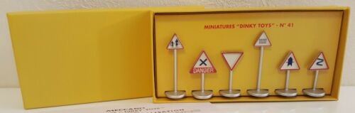 RARE DINKY TOYS CITY SIGN MINT IN BOX #41