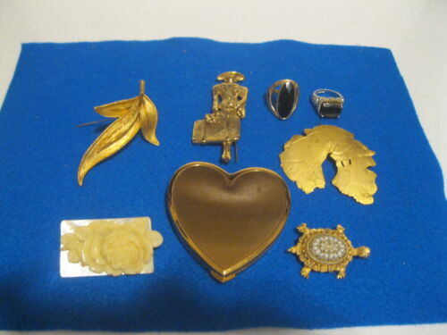 VINTAGE LOT OF 8 MISC PIECES OF JEWELRY & COMPACT