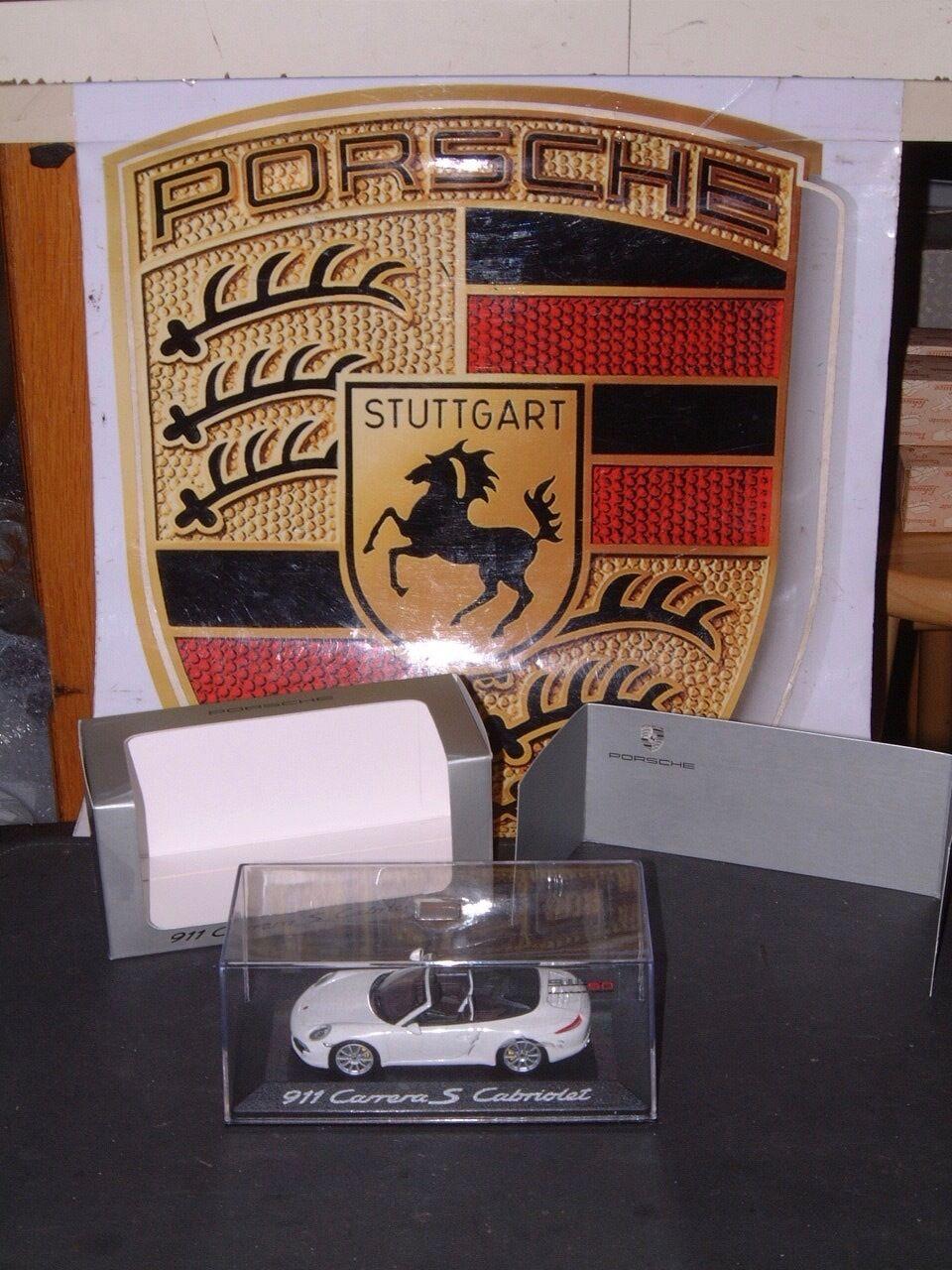 PORSCHE DESIGN DRIVER'S SELECTION, 1 43 SCALE 911 Carrera S Cabriolet année 50