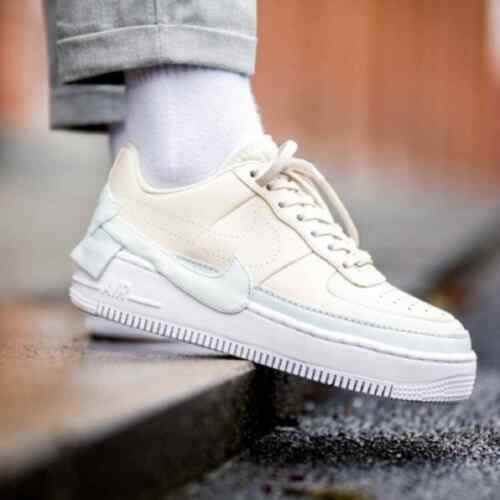 Nike Womens Air Force 1 Jester XX Sneakers (Size 9