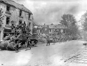 WWII-Photo-US-Armored-Column-US-Army-France-World-War-Two-WW2-Normandy-D-Day