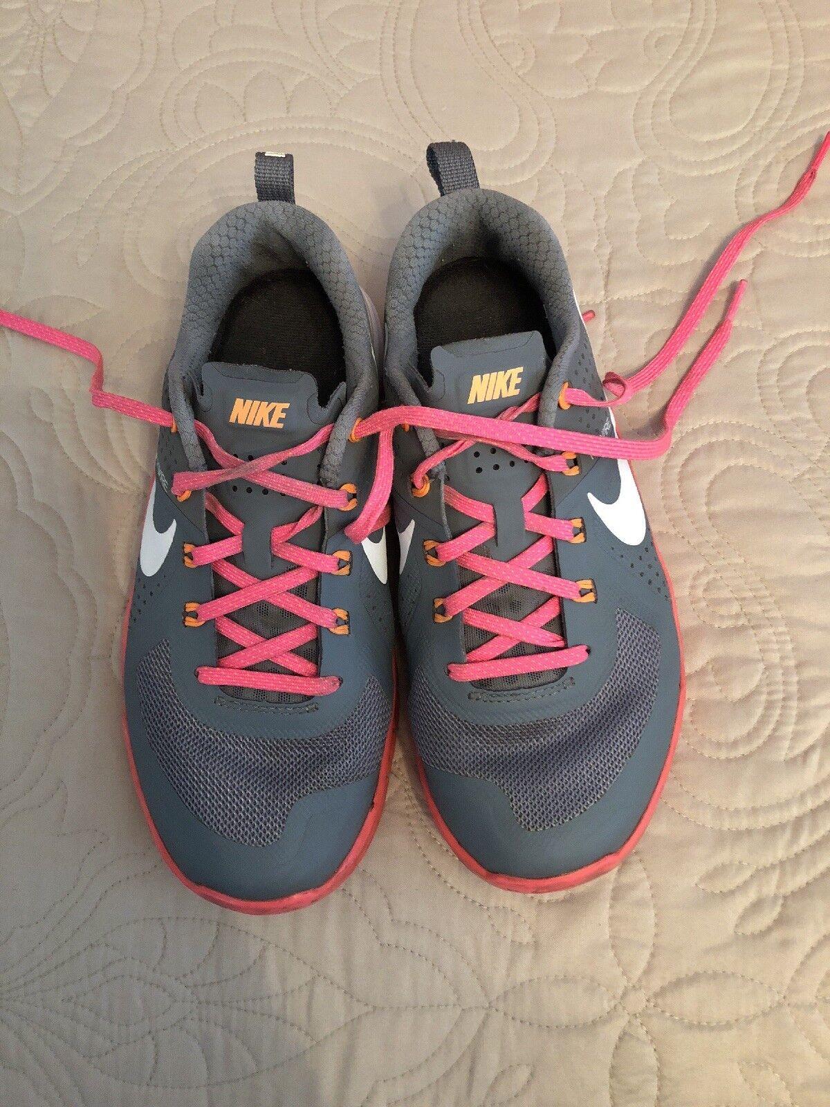 Womens Nike Metcon Size 6 Pink/Gray