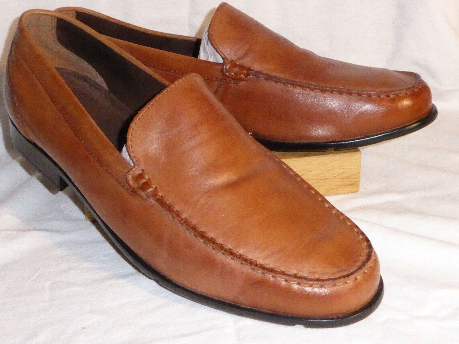 Rockport UK 15.5   140 New in box braun Leather Venetian Loafers