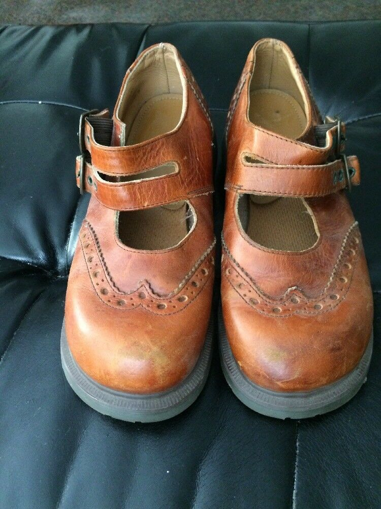 Dr Martens Women's Size 6  US8 Brown Leather Mary Jane Wingtip shoes  England