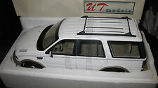 UT 1.18 FORD EXPEDITION EDDIE BAUER VERSION WHITE  AWESOME LOOKING  HARD TO FIND