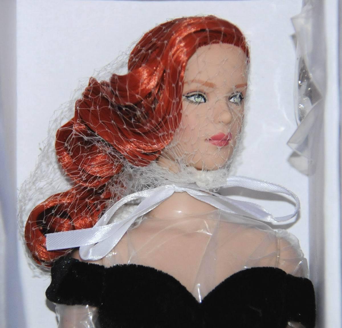 Classic Elegance Tyler 16  Doll NRFB 2013 Tonner ltd 500 rot hair