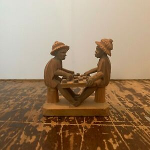 Vintage-Hand-Carved-Wood-Men-Playing-Checkers-Figurine