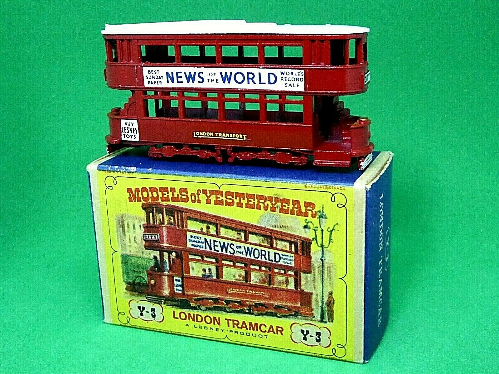 Matchbox Lesney Y3-1 1907 London 'E' Class Tramcar 'D2' Box (Weiß COW CATCHERS)