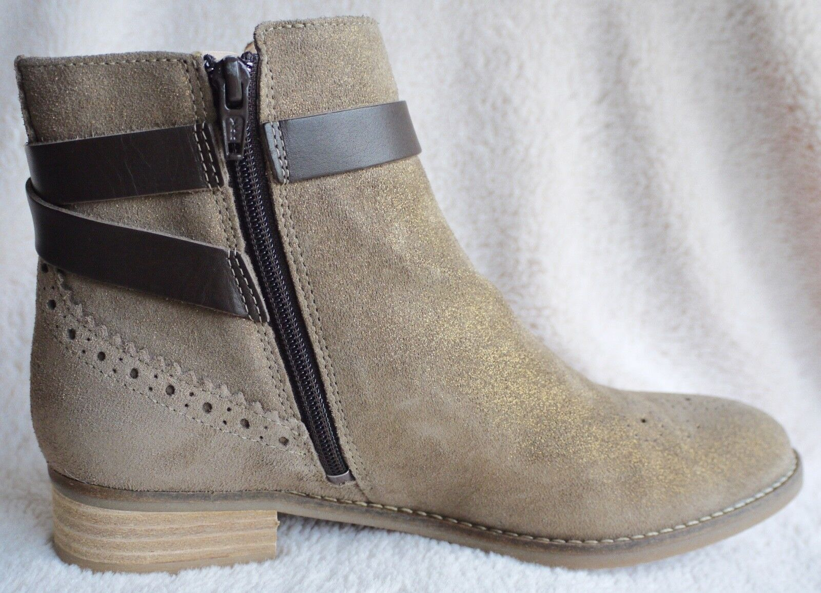 60c4ea483d Clarks Netley Olivia Taupe Suede Ankle BOOTS UK 5.5 EU 39 for sale ...