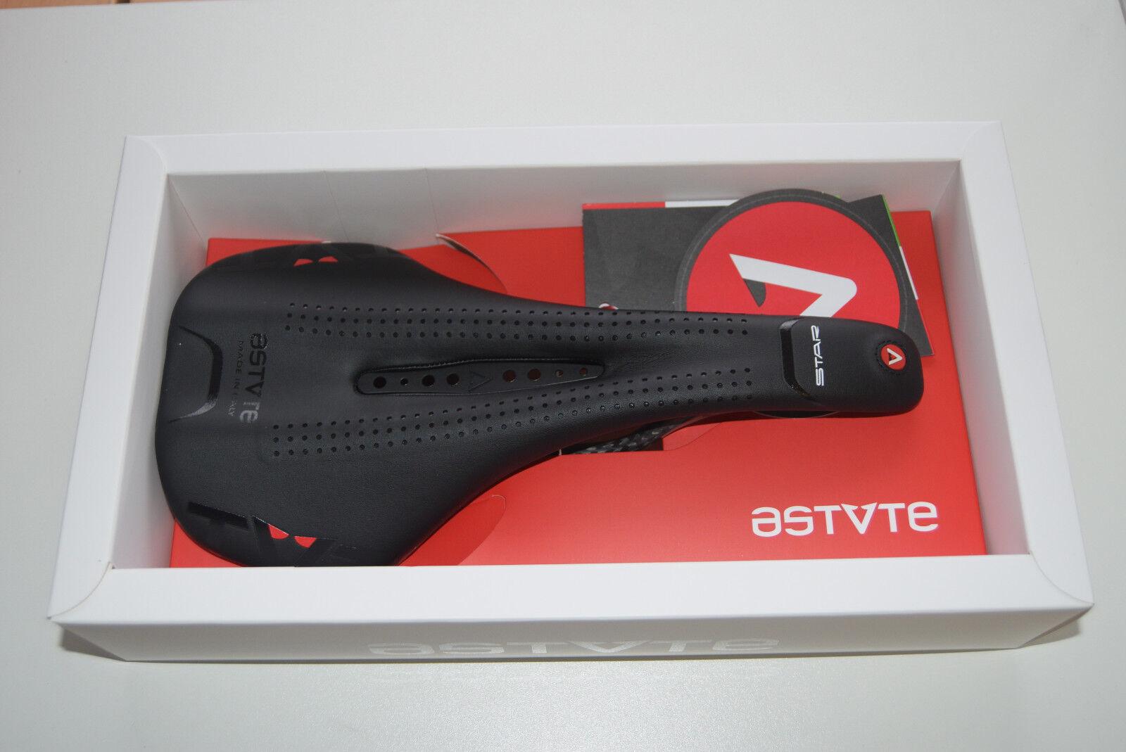Astute STARLite  Sattel - schwarz 7x9 Streben Carbon