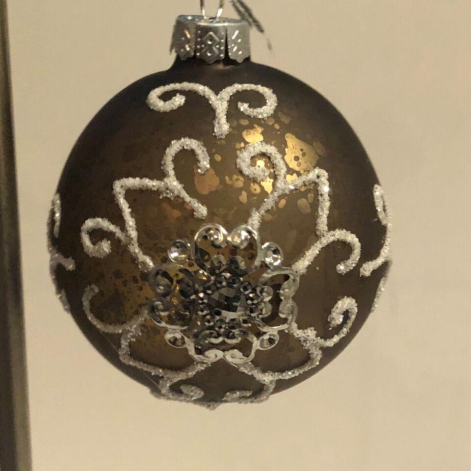 4 Gamle glaskugler med smuk dekoration